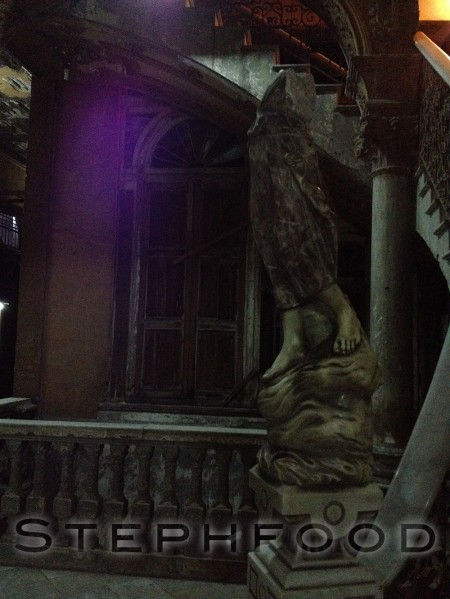 Headless statue in Concordia 418, Havana